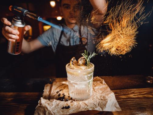 Was macht ein Barkeeper?