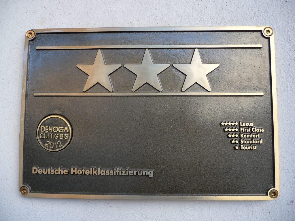 Deutsche_Hotelklassifizierung_3_Sterne-scaled