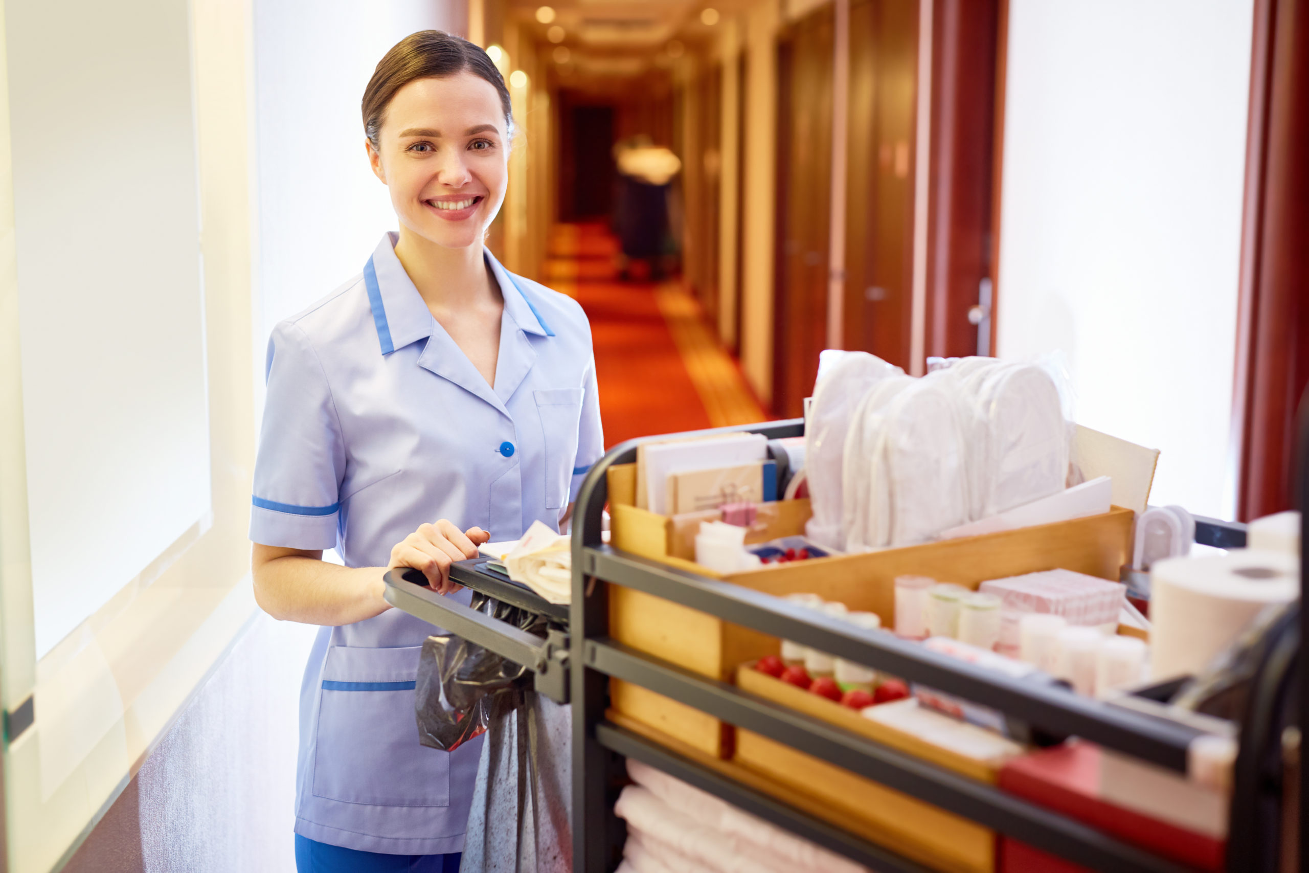 Zimmermädchen oder Roomboy werden: Aufgaben, Voraussetzungen und Karriere