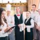 Hotelfachmann und Hotelfachfrau: Ausbildung, Beruf & Karriere