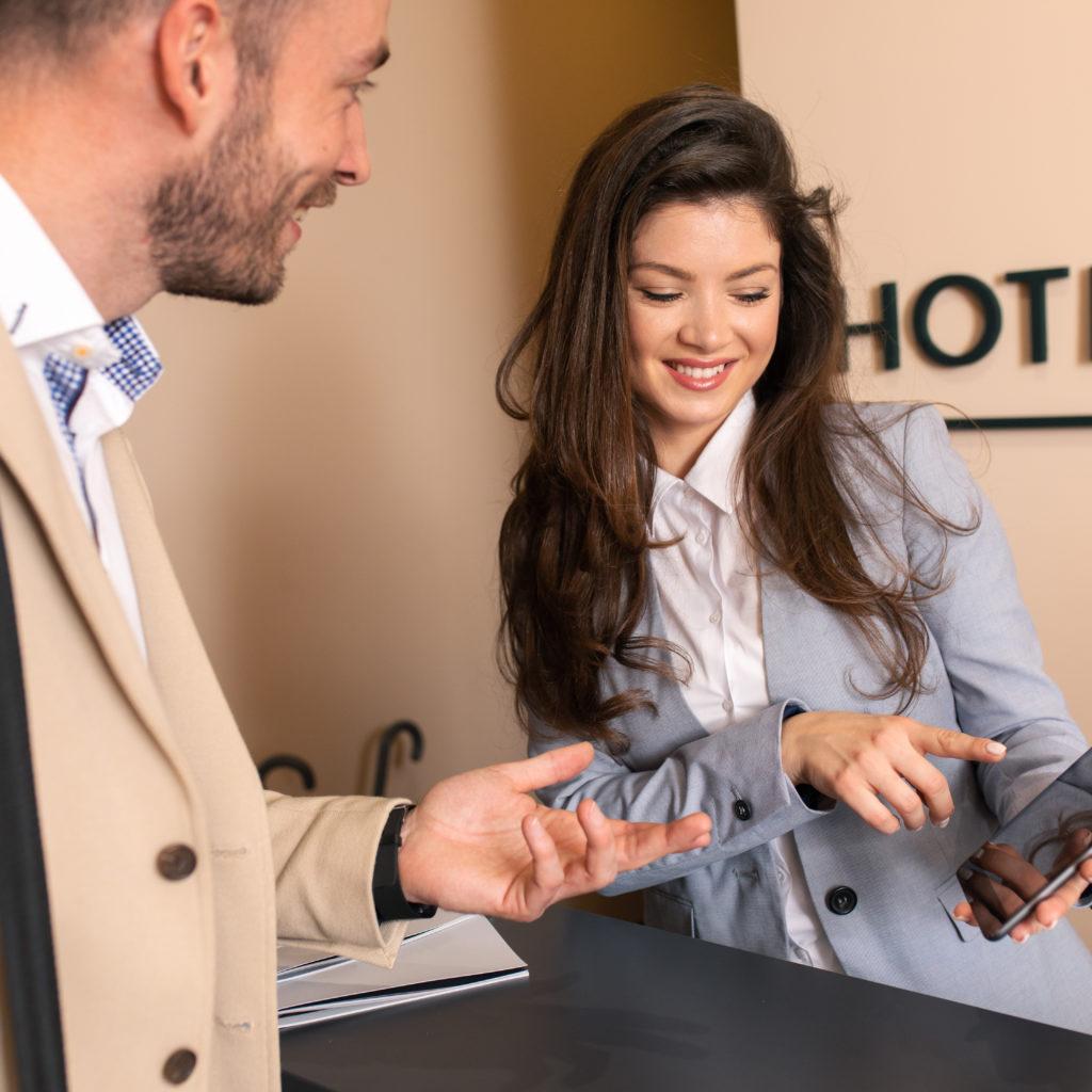 Hotelkaufmann oder Hotelkauffrau werden