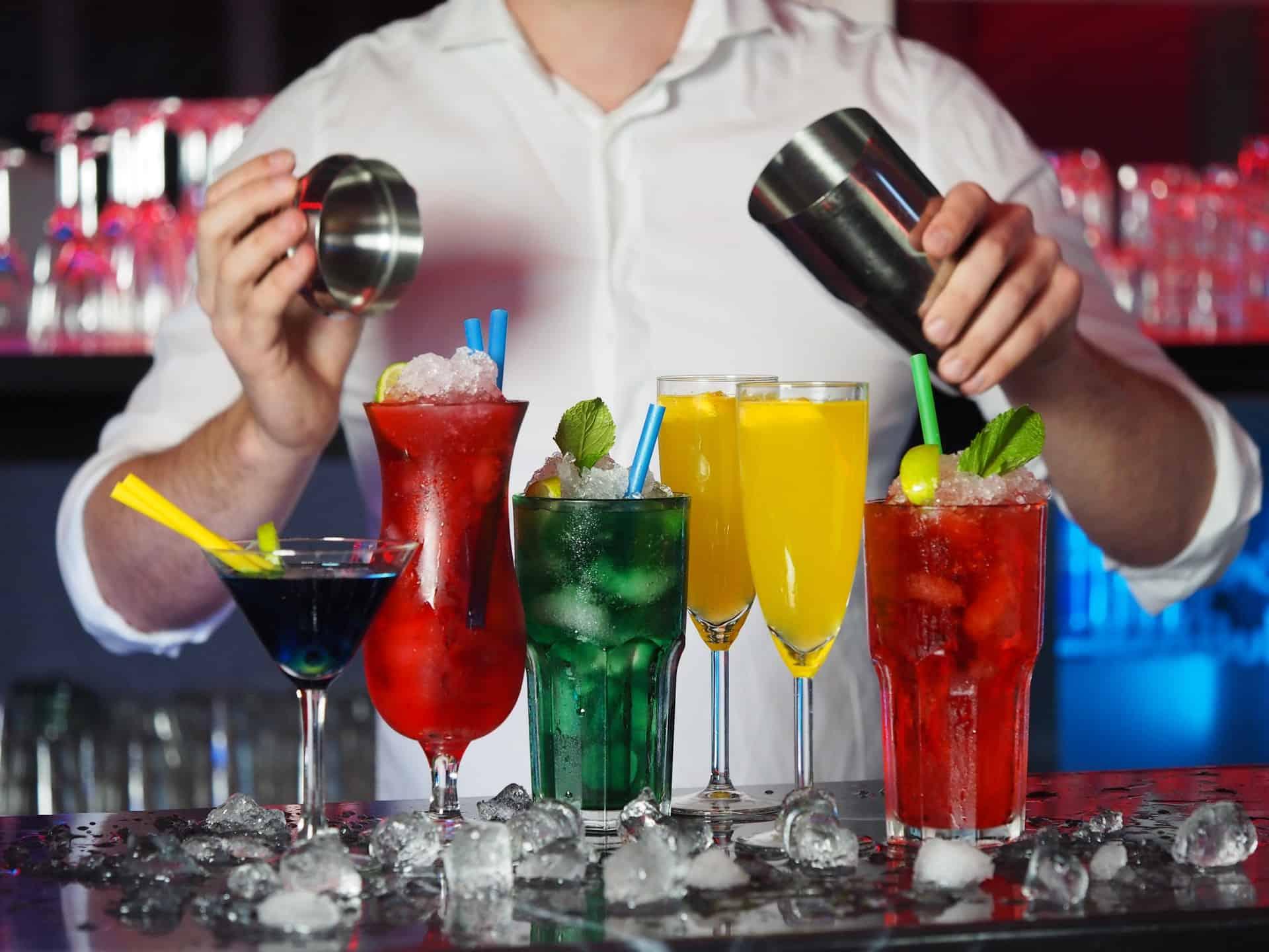 Gläsertypen für Weine, Cocktails und Spezialgetränke