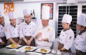 Commis de Cuisine – Assistent des Kochs